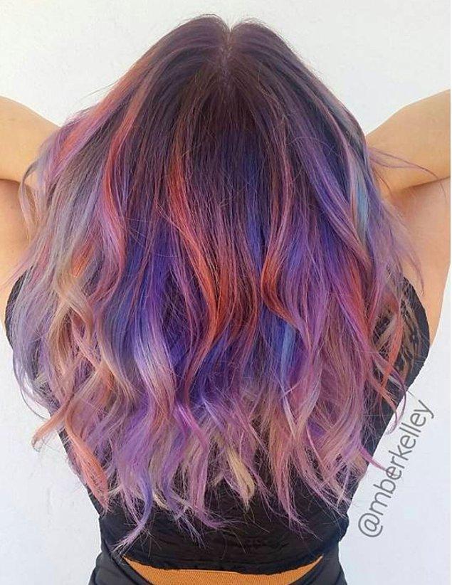 Keşke boyalı saçlar ilk günkü halleri gibi kalsa :(