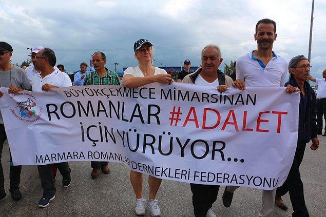 Roman vatandaşlar yürüyüşe katılanlar arasındaydı.