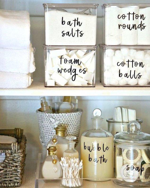 5. Malzeme kutularının üzerine uygulayabileceğiniz dekoratif yazılarla hem karışıklığa son verin hem de kendi stilinizi yaratın!