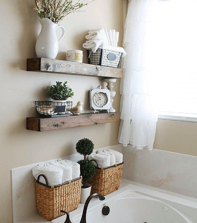 4. Özellikle banyonuz küçükse sade ve doğal duvar rafları ihtiyacınız olan şey olabilir.