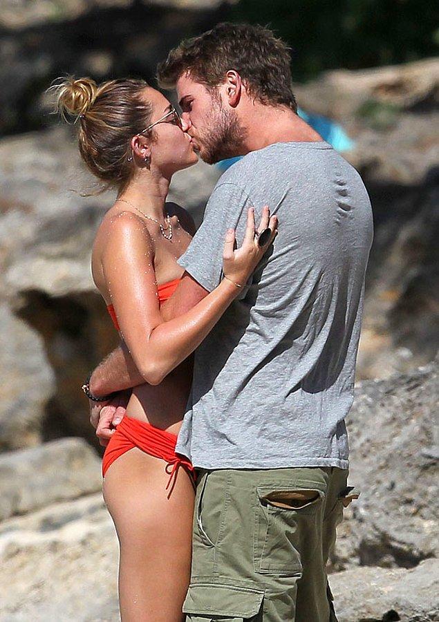2010 yılında Liam Hemsworth ile çıkmaya başladıktan sonra görüşleri de kendi gibi baya bir değişti.