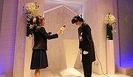 Japonya'da Erkekler, Anime Karakterlerle Sanal Gerçeklik Ortamında Evlenebiliyor!