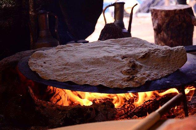13. İnce Ekmek Yapımı ve Paylaşımı Geleneği: Lavaş, Katrıma, Jupka, Yufka