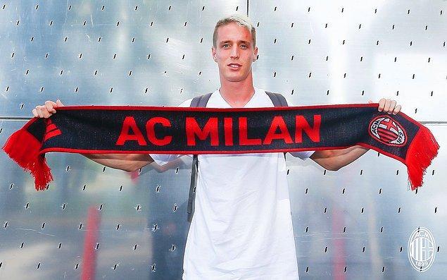 57. Andrea Conti ➡️  AC Milan
