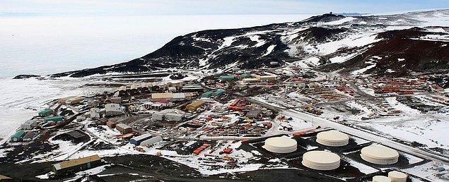 Meşhur banka şirketi, 1998 yılında kıtanın en büyük bilim merkezi McMurdo İstasyonu'na ilk bankamatiği inşa etti.