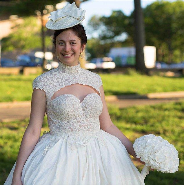 5. 27 yaşındaki Lindsay Hinz New York'ta kostüm teknisyeni olarak çalışıyor.
