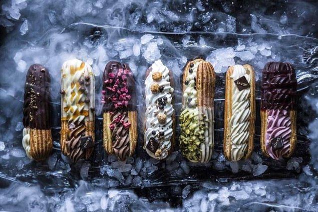 17. Melba'da dondurmalı ekler yiyin.