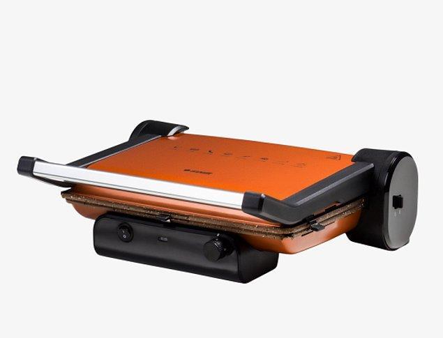 2. Granit görünümlü pişirme yüzeyi ile mutfak tezgahınıza çok yakışacak bu tost makinesi