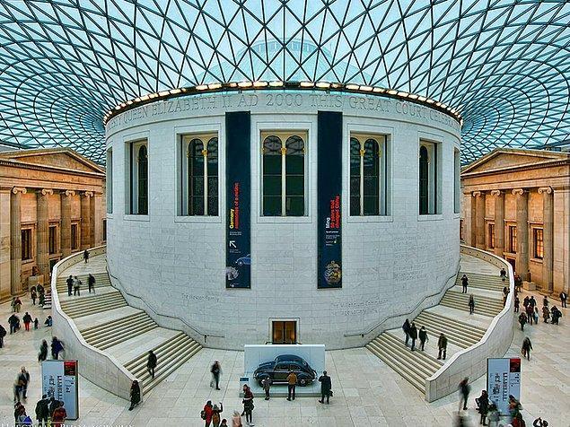 Son olarak hatırlatalım, müzelere giriş ücretsiz. Sürekli olarak değişen sergileriyle de kültür ve tarih anlamında gerçekten zengin.