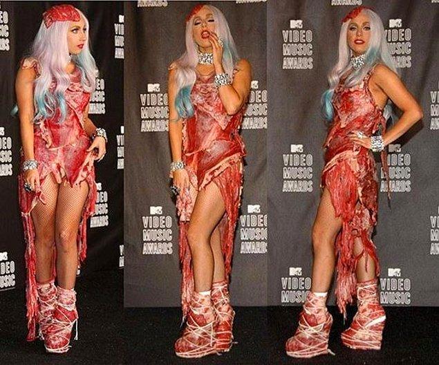 3. Lady Gaga'nın şu meşhur et elbisesi?