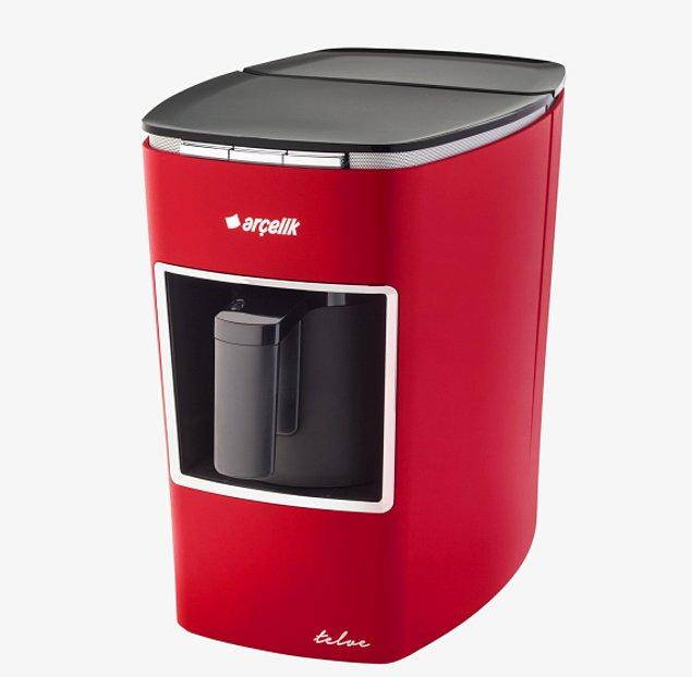 11. Ve son olarak, mutfakta işiniz bittiğinde kendinize harika bir yorgunluk kahvesi ısmarlamanızı sağlayacak Türk kahvesi makinesi