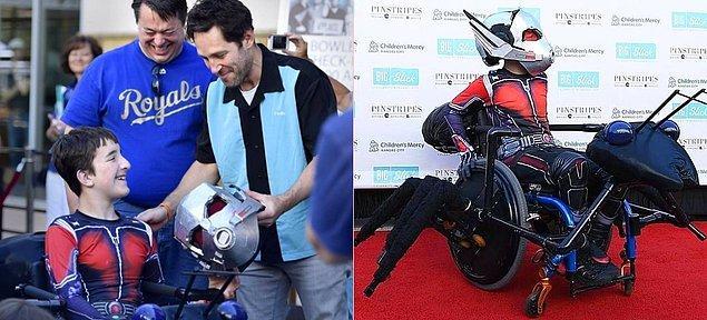 #7 Paul Rudd, tekerlekli sandalyesini Ant-Mobile'e çeviren hayranını kırmıyor ve onunla bir araya geliyor.
