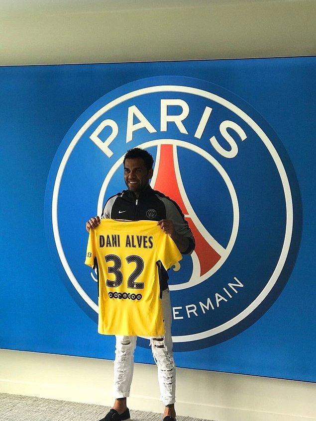 48. Dani Alves ➡️  Paris Saint-Germain FC