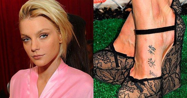 8. Jessica Stam de dövmeyi ayağında taşımayı tercih edenlerden!