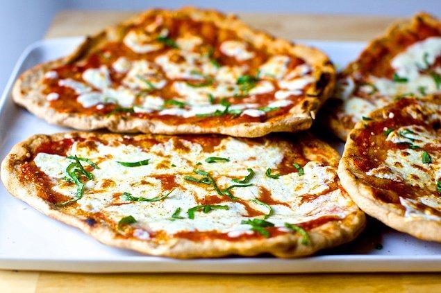 1. Tost makinasında pizza yapabileceğinizi söylesek?