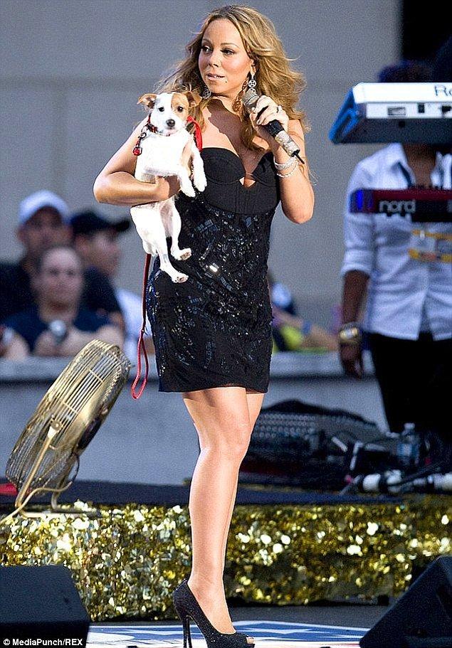 11. Günde 15 saat uyumadan kendine gelemeyen Mariah Carey, ayrıca maden suyu banyosuz da yapamıyor!
