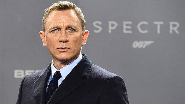 'James Bond' serisinin yakışıklı ismi Daniel Craig ise soğuk İngiliz tavırları ile biliniyor.