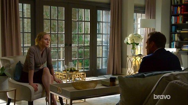 Suits'in en önemli karakteri Harvey, duygusal olarak sığınabileceği bir liman arıyor.