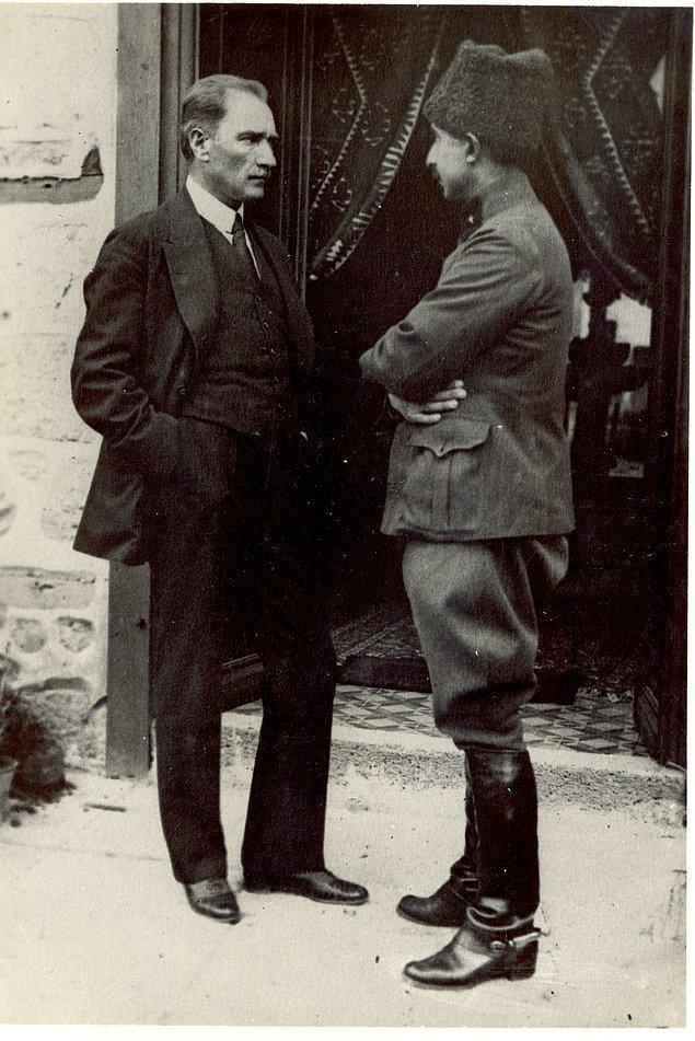 İtilaf Devletleri, I. İnönü Savaşının ardından suyu bulandırmak için hem İstanbul hükumetini hem de TBMM'yi Londra'ya barış konferansına davet ettiler.