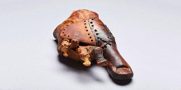 Mısır'da bulunan 3000 yıllık bir protez ayak parmağı