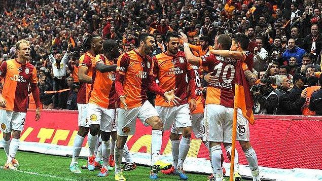 9. 6 Nisan 2014'te oynanan Fenerbahçe maçı en çok Emre - Melo gerginliği ile hatırlansa da Galatasaray maçı Sneijder'in golüyle kazanmıştı.