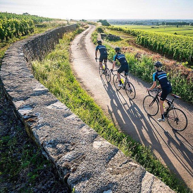 1. İtalya'nın dağlarında pedal çevirmek gibisi yok.