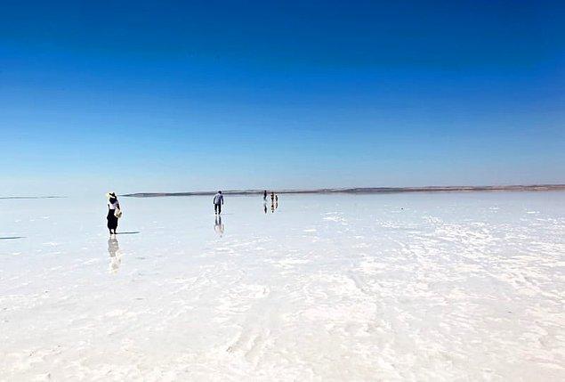 15) Tuz Gölü'nün hangi ilimize kıyısı yoktur?