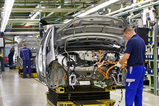 4. Türkiye'nin genel ihracatında otomotivin yeri oldukça büyük. 2017'nin ilk 6 ayında 14.3 milyar dolarlık otomotiv satışı yapıldı. Bu satışın 2.1 milyar dolarlık kısmı ise Almanya'ya gerçekleşti. Türkiye'nin yılın ilk 6 ayında toplam  76,3 milyar dolar ihracat yaptığı dikkate alınırsa otomotiv ihracatının ne kadar önemli olduğu daha net anlaşılıyor.