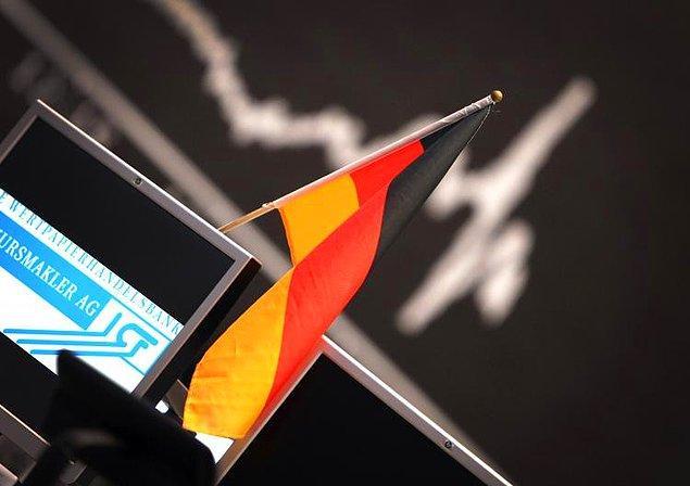 5. Ekonomi Bakanlığı'nın verilerine göre son 5 yılda Türkiye'ye 47,9 milyar dolar doğrudan yabancı sermaye geldi. Bu dönemde Alman şirketlerinin yatırımı ise 3,8 milyar dolar oldu. Böylelikle Türkiye'de son 5 yılda gelen doğrudan sermayenin yüzde 8'ini Alman şirketleri oluşturdu.