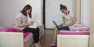 Yeni Yönetmelikle 'Sakıncalı' Bulundu: Öğrenci Yurtlarında İki Öğrenci Aynı Odada Kalamayacak