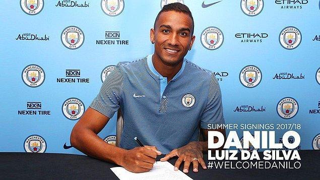 25. Danilo ➡️ Manchester City