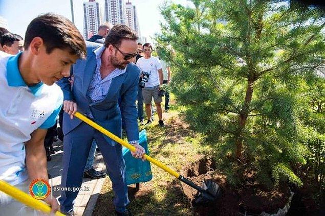 Nicolas Cage, şu sıralar 13. Eurasia Uluslararası Film Festivali için Astana, Kazakistan'da.