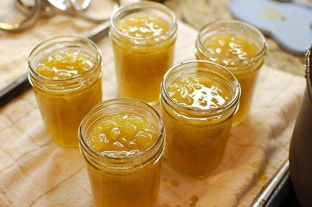 10. Gelsin üzümler, buyursunlar reçel olsunlar.