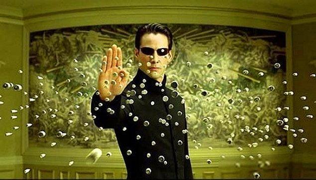 5. Neo aslında bir makine ve Zion sadece bir başka sanal gerçeklik…