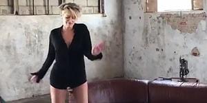 59 Yaşındaki Sharon Stone'dan Gençlere Taş Çıkartan İç Çamaşırlı Dans Performansı