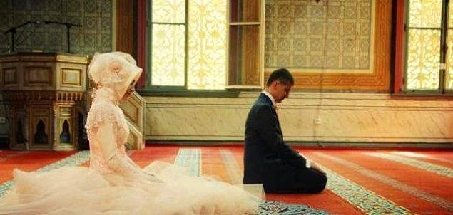 """AKP Kadın Kolları 2014 yılında """"resmi ve dini nikahlar camide kılınsın"""" önerisi getirmişti"""