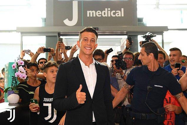 23. Federico Bernardeschi ➡️ Juventus