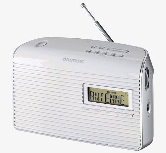 10. Balkonunuza, verandanıza müzik getirecek bu portatif radyo