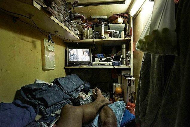 10. Çünkü bu tabut odalardaki yaşam Hong Kong'un göz alıcı parlak ışıklarından bir hayli uzakta...