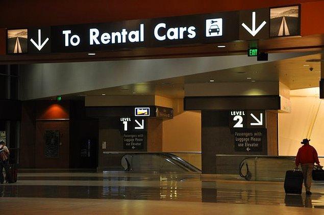 Bazı hizmetleri satın alan kişilerin uçak masraflarını havayolu şirketi karşılayabilir.