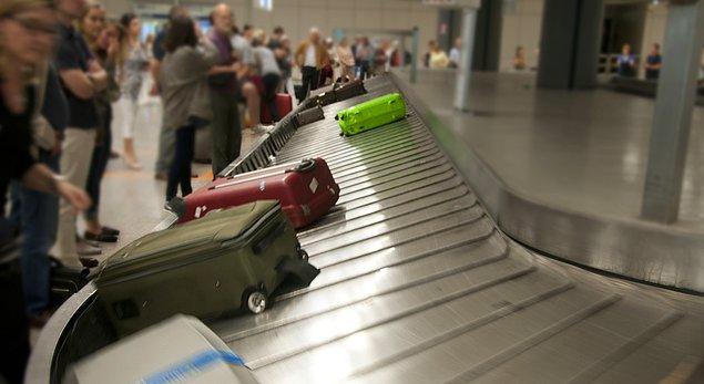 Bavullar yolcunun evinden alınarak uçağa konulacak.
