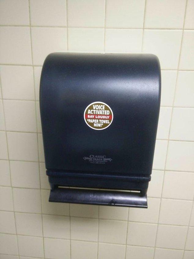 15. Birilerinin yüksek sesle tuvalette bağırdığını mı duydunuz yoksa?