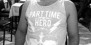 Bunu da Gördük: 'Part Time Hero' Tişörtü Giydiği İçin Gözaltına Alınan Üniversite Öğrencisi Serbest