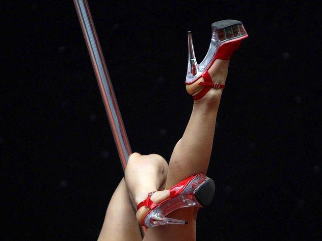 1. İzlanda'da striptiz kulüpleri yasaklandı.