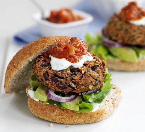 Evde Lezzetli Hamburger Yapmanın Zor Olduğunu Düşünenler İçin 11 Lezzetli Hamburger Tarifi 23