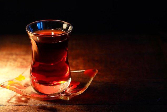 12. Size göre çay toplum için değil, çay içindir. Yani insanlar çayı şekerli içerek ne elde edebilirler ki?