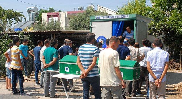 Yahya Zağlı Cumalı Mezarlığı'nda toprağa verildi. İşletme sahibi dün akşam gözaltına alındı, polis kayıplara karışan saldırganları arıyor.