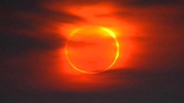Türkiye'den de gözlenebilecek tam güneş tutulması ise 20 Nisan 2060'da gerçekleşecek.