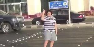 Yolda Macarena Dansı Yaptı Diye Tutuklanan Çocuk