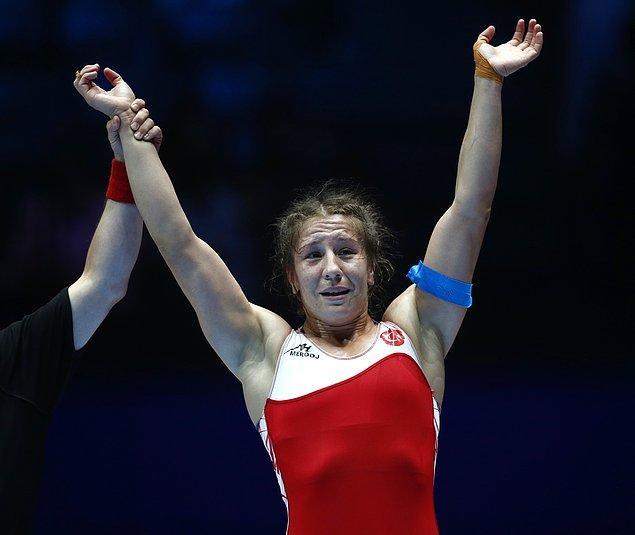 """""""Şimdi hedefimiz olimpiyatlar"""" diyen Yasemin Adar:  """"İnşallah Olimpiyatlarda da altın madalya alırız ve bir tarih daha yazarız"""""""